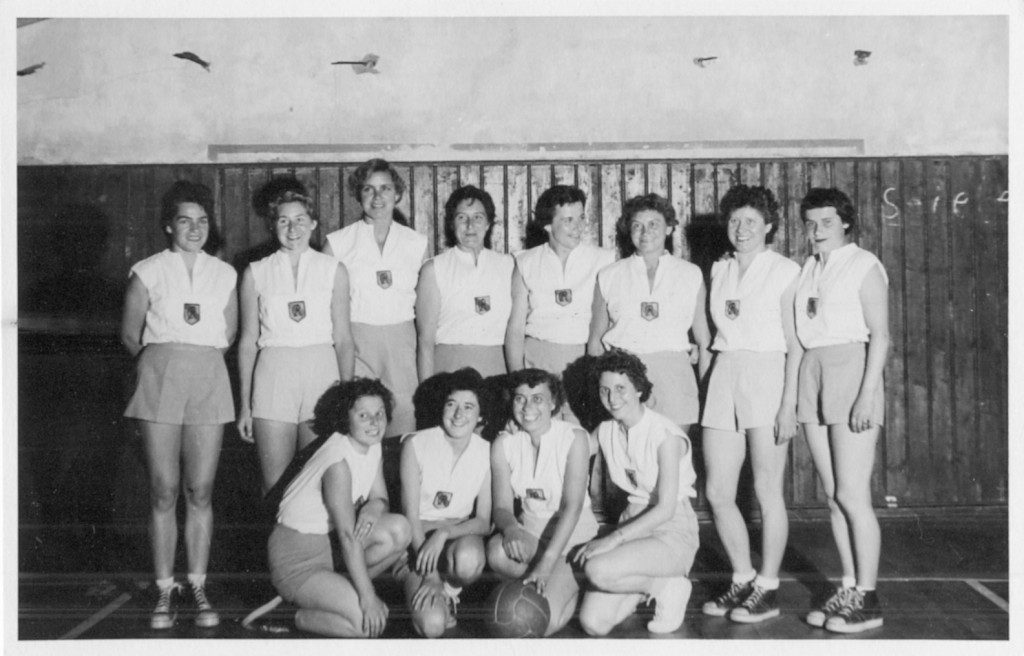 3. Sieger bei der Deutschen Basketball-Meisterschaft: Die USC-Damen (Slg. Wolfgang Luckenbach).