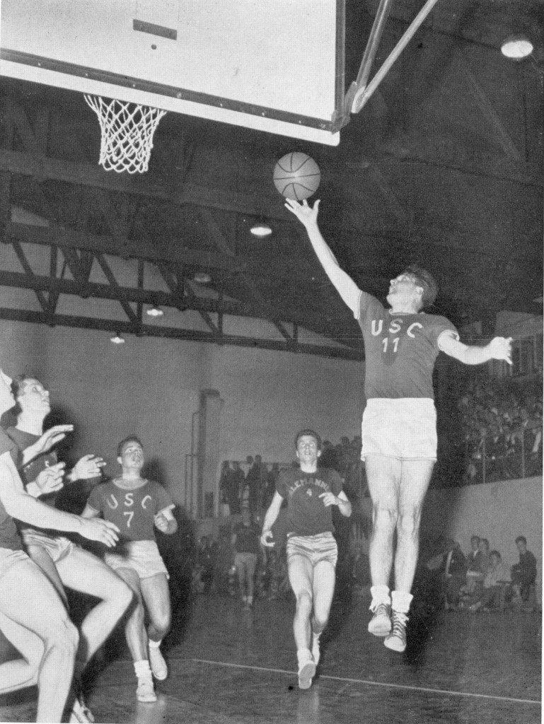 Oskar Roth, Urgestein des Heidelberger Basketballs, im Endspiel gegen Aachen vor seiner 9. Deutschen Meisterschaft (Slg. Gerhard Treutlein).