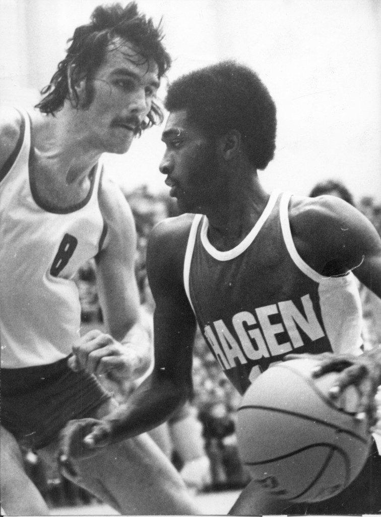 Der Hagener Jimmy Wilkens vermasselte dem USC die Titelverteidigung, neben ihm Mike Wells (Slg. Hans Leciejewski).
